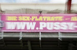 Flatrate-Sex: Pussy-Club-Chef legt schlankes Geständnis ab