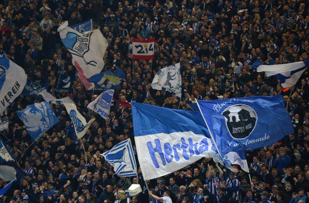 Hertha Fan Onaniert