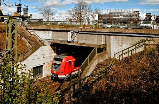 Ein Streitpunkt: Sollen ICE-Züge künftig den S-Bahn-Tunnel am Flughafen nutzen? Foto: Leif Piechowski