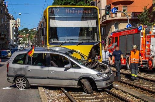 Stadtbahn-Unfall blockiert Verkehr