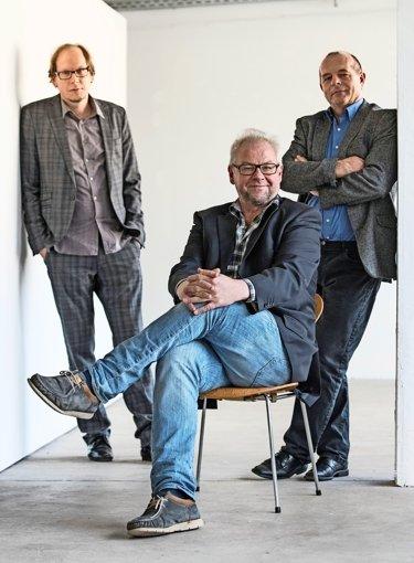 Kunst-Trio  wieder komplett