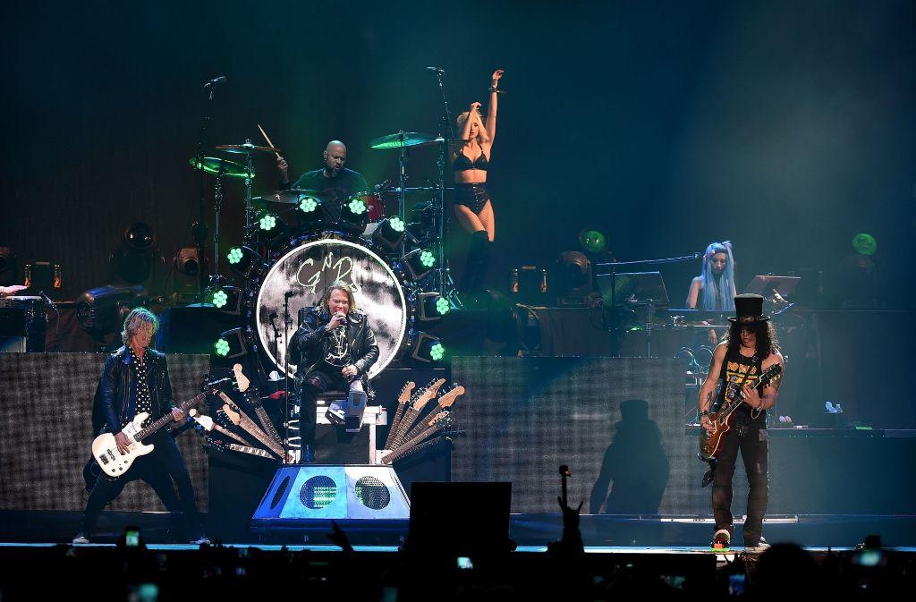 Unwetter In Hannover Konzert Von Guns N Roses Unterbrochen
