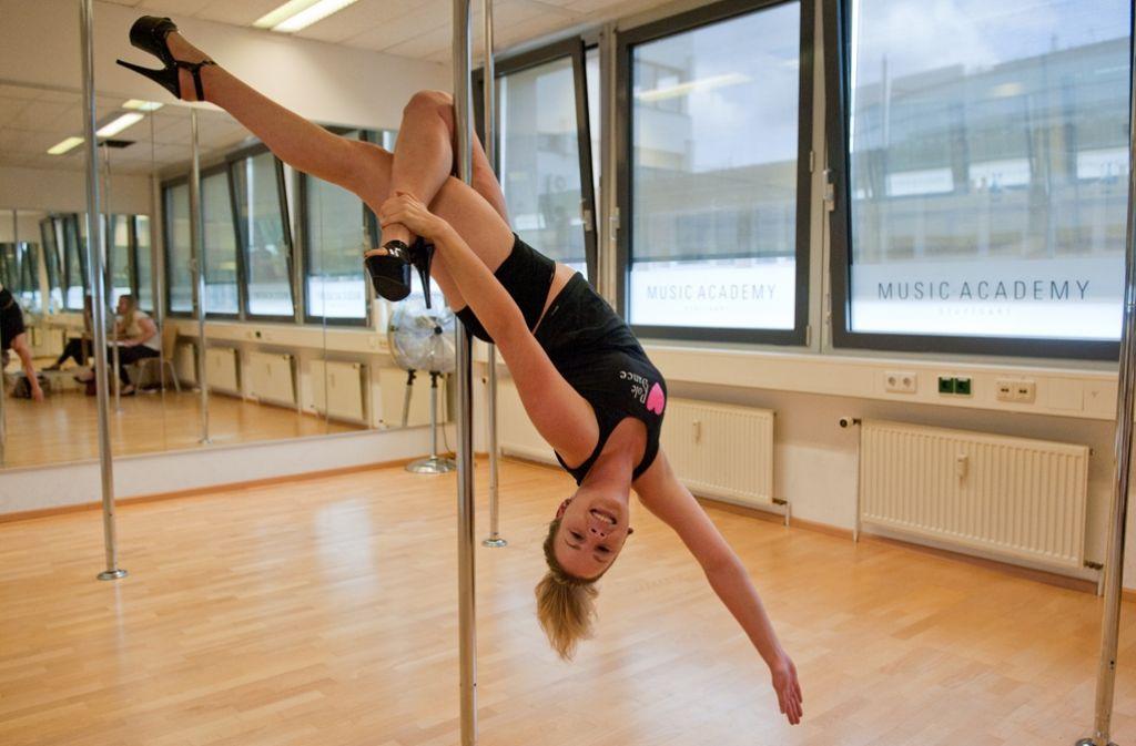 Trendsport Pole Dance: Sportlich, aber sexy - Stuttgart