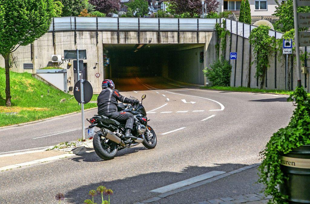 Motorradlärm Anzeigen