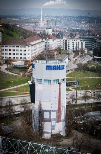 Von den oberen Stockwerken des Wohnturms erscheint der Pragsattel in einen ganz neuen Licht. Foto: Lichtgut/Achim Zweygarth