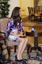 bSingapur, 11. September:/b Am Abend empfängt Präsident Tony Tan das royale Paar im Präsidentenpalast. Ist es eine Geste der Verbundenheit, dass Kate zu einem ornamentalen Cocktailkleid des lokalen Designers Prabal Gurung greift? Foto: dpa