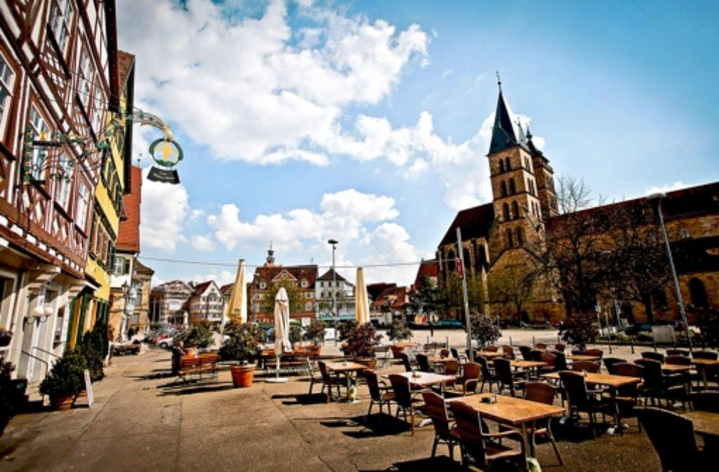 esslinger marktplatz h henflug ohne sterne gastronomie landkreis esslingen stuttgarter. Black Bedroom Furniture Sets. Home Design Ideas