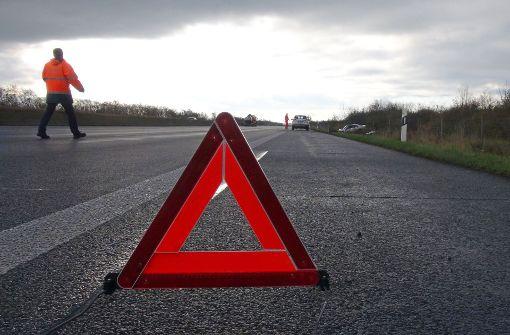 Viele Unfälle wegen überfrierender Nässe