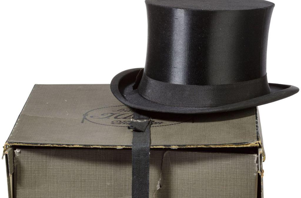 Hitlers Zylinder Oder Eva Brauns Cocktailkleid Auktion Von Nazi Gegenstanden Weckt Grosseres Interesse Als Erwartet Panorama Stuttgarter Nachrichten