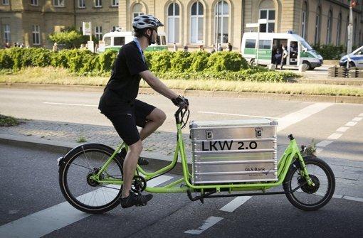Eine der Neuerungen, die beim Kirchentag in Stuttgart erprobt werden: Lastenfahrräder für den Transport kleinerer Güter Foto: Lichtgut/Leif Piechowski