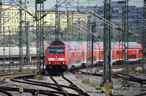 20-Jähriger wird von Zug überrollt