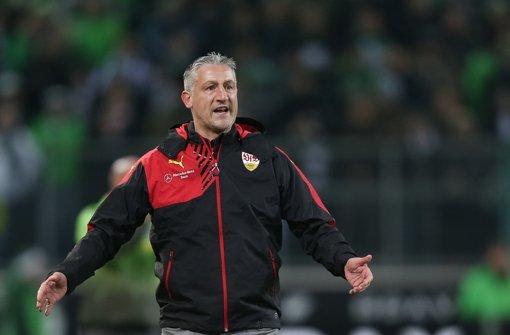 Jürgen Kramny war mit dem Auftritt des VfB Stuttgart in Mönchengladbach heute alles andere als zufrieden. Foto: dpa