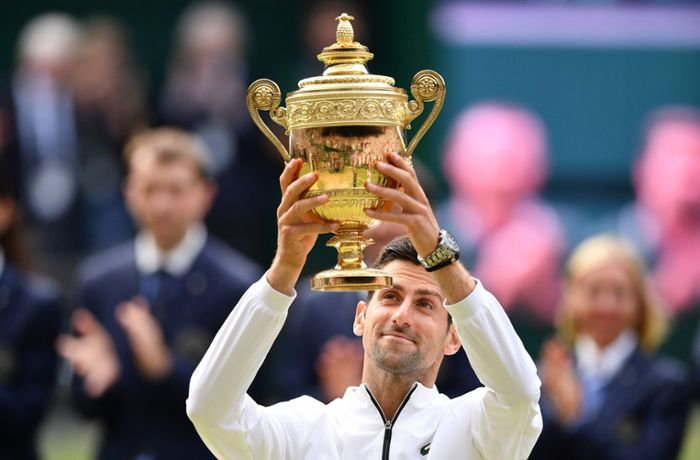 Tennis in Wimbledon: Novak Djokovic besiegt Roger Federer in epischem Finale