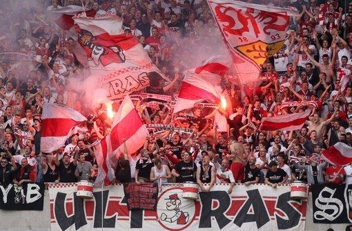 Die Ultras des VfB Stuttgart betrachten die geplante Ausgliederung mit einer gewissen Skepsis. Foto: Pressefoto Baumann