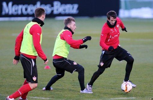 Von links: Toni Sunjic, Alexandru Maxim, Robbie Kruse Foto: Pressefoto Baumann