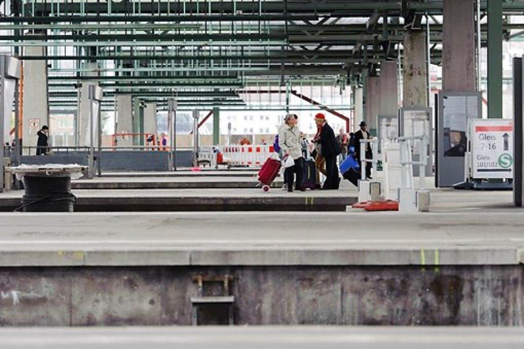 Am Hauptbahnhof Aufgegriffen Schweizer Ausrei Erinnen