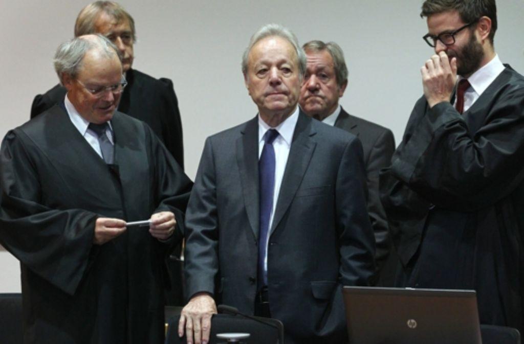 Sozialbetrug Bei Möbel Inhofer Chefs Bekommen Bewährung Und Hohe