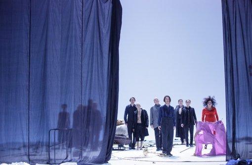 Szene aus Claus Peymanns Handke-Uraufführung am Wiener Burgtheater Foto: dpa