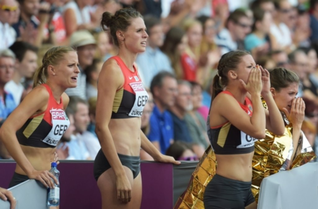 Die schönsten Bilder der Leichtathletik-EM in Zürich: Die deutschen Läuferinnen Christiane Klopsch, Lena Schmidt, Ruth Sophia Spelmeyer and Esther Cremer (von links nach rechts). Foto: dpa