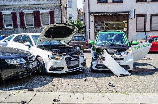 Schwerer Unfall mit drei beteiligten Autos