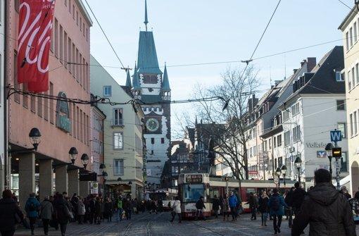 Freiburg ist mit seiner Einlassbeschränkung für Migranten in Clubs und Discos derzeit in aller Munde. (Archivfoto) Foto: dpa
