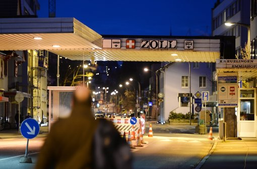 Mehr Flüchtlinge reisen über die Schweiz ein