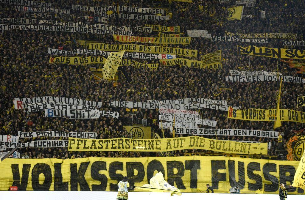 Ultras In Der Kritik Angst Vor Den Eigenen Fans Fussball