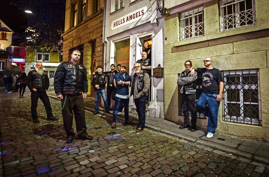 b8b58297dcbdbe Jakk gehört (vorne links) zur jüngeren Generation der Stuttgarter Rocker,  der Charter-