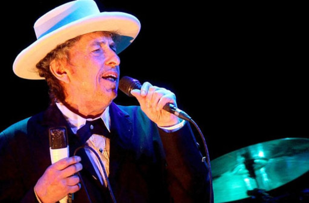 Bob Dylan 2012 bei einem Konzert in Spanien. Am Sonntagabend hat der  Altmeister in Tübingen 0b4eaf3f74