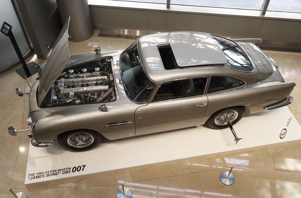James Bond Auto Aston Martin Von 007 Für Fast Sechs Millionen Euro Versteigert Panorama Stuttgarter Nachrichten
