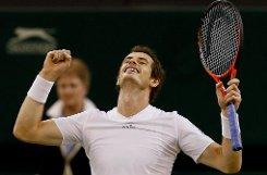 Der Brite Andy Murray hat den Einzug ins Wimbledon-Finale am Sonntag geschafft. Murry spielt dann gegen den Weltranglisten-Ersten Novak Djokovic. Klicken Sie sich durch die Bilder vom Rasenturnier! Foto: AP/dpa
