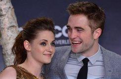 Kristen Stewart und Robert Pattinson in Berlin bei der Premiere des Films Breaking Dawn - Bis(s) zum Ende der Nacht (Teil 2). Foto: dpa