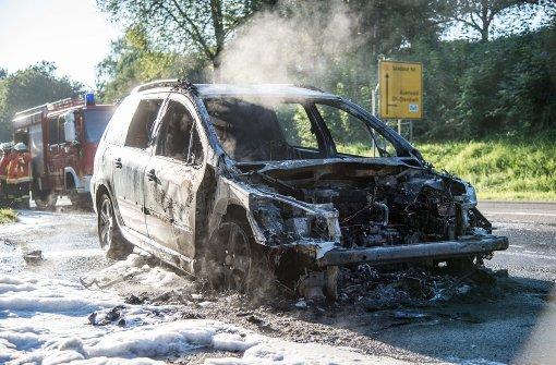 Peugeot brennt komplett aus