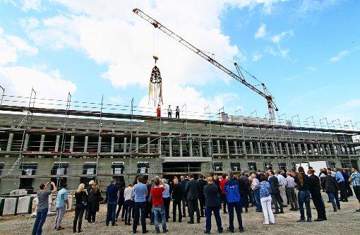 Richtfest für neues Prozessgebäude gefeiert