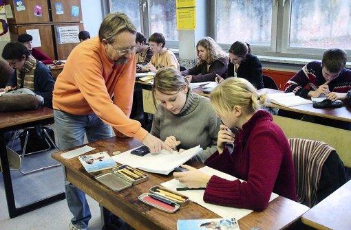 Wie lange sind Lehrer belastbar? Grün-Rot rüttelt an der Altersermäßigung. Foto: dpa