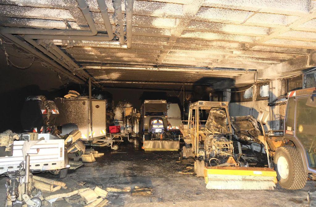 ludwigsburg verheerende sch den nach brand in tiefgarage landkreis ludwigsburg stuttgarter. Black Bedroom Furniture Sets. Home Design Ideas