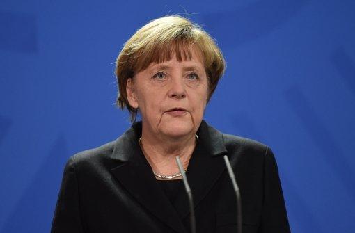 Bundeskanzlerin Angela Merkel (CDU) ist fassungslos über die Umstände des Absturzes der Germanwingsmaschine. Foto: dpa