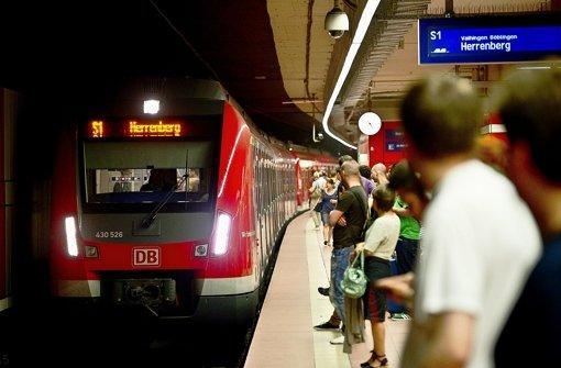 Viele Pendler verlassen sich täglich auf die S-Bahn – und müssen nicht selten warten Foto: Max Kovalenko