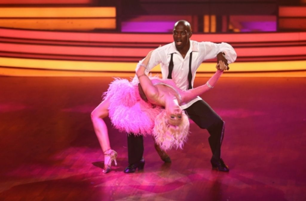Die Lets Dance-Sieger Hans Sarpei und Kathrin Menzinger in Aktion Foto: Getty Images Europe