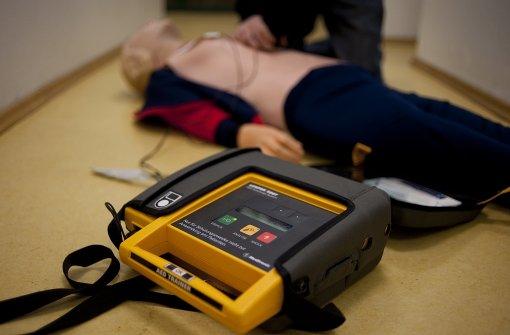CDU-Fraktion fragt nach Defibrillatoren