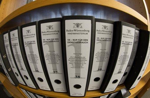 Ordner des baden-württembergischen NSU-Untersuchungsausschusses: Den Abgeordneten enthielt der landeseigene Verfassungsschutz Dokumente zum Ku-Klux-Klan vor. Foto: dpa