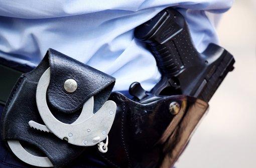 Zahn an Polizisten ausgebissen