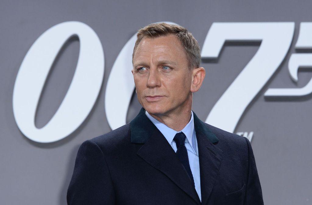 neuer 007 film daniel craig wird wieder james bond. Black Bedroom Furniture Sets. Home Design Ideas