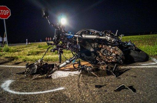 Motorradfahrer stirbt nach Kollision mit Auto