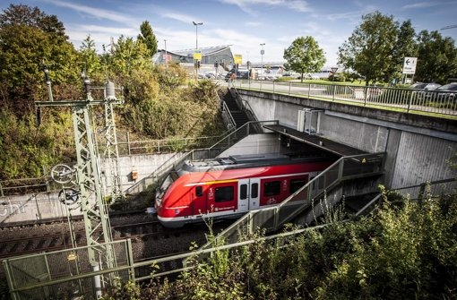 Statt mit dem Auto per Bahn zur Messe? Die Stadt Stuttgart und der Verkehrsverbund Stuttgart können dank Unterstützung des Landes jetzt noch intensiver für den Umstieg werben Foto: Leif Piechowski