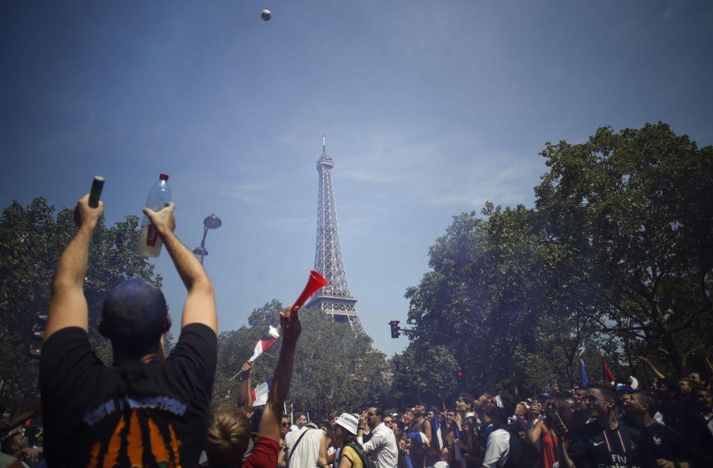 Wm Finale 2018 Ansturm Auf Public Viewing Am Eiffelturm