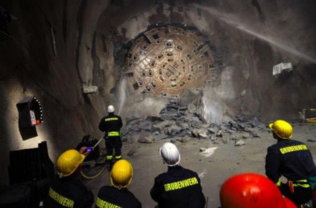 Durchbruch Der Längste Tunnel Der Welt Panorama Stuttgarter