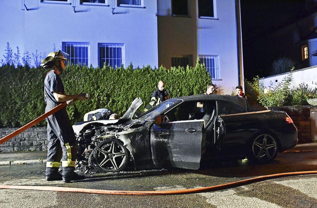 brandserie in stuttgart brennende autos serient ter gesucht stuttgart stuttgarter nachrichten. Black Bedroom Furniture Sets. Home Design Ideas