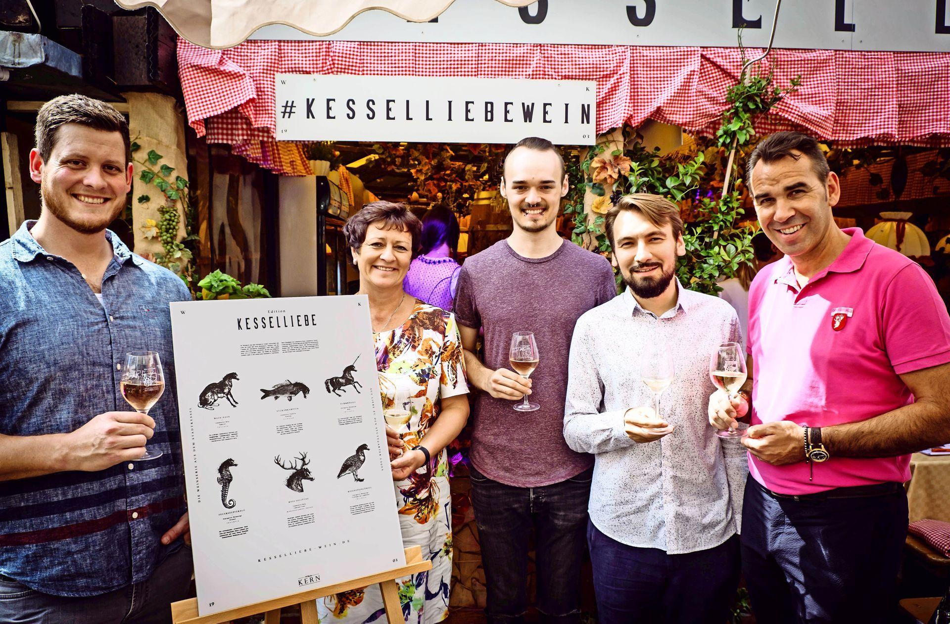 Weindorf in Stuttgart: Mit Kesselliebe das Schöne und Gute