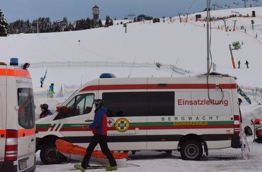 Skifahrer prallten gegen Masten